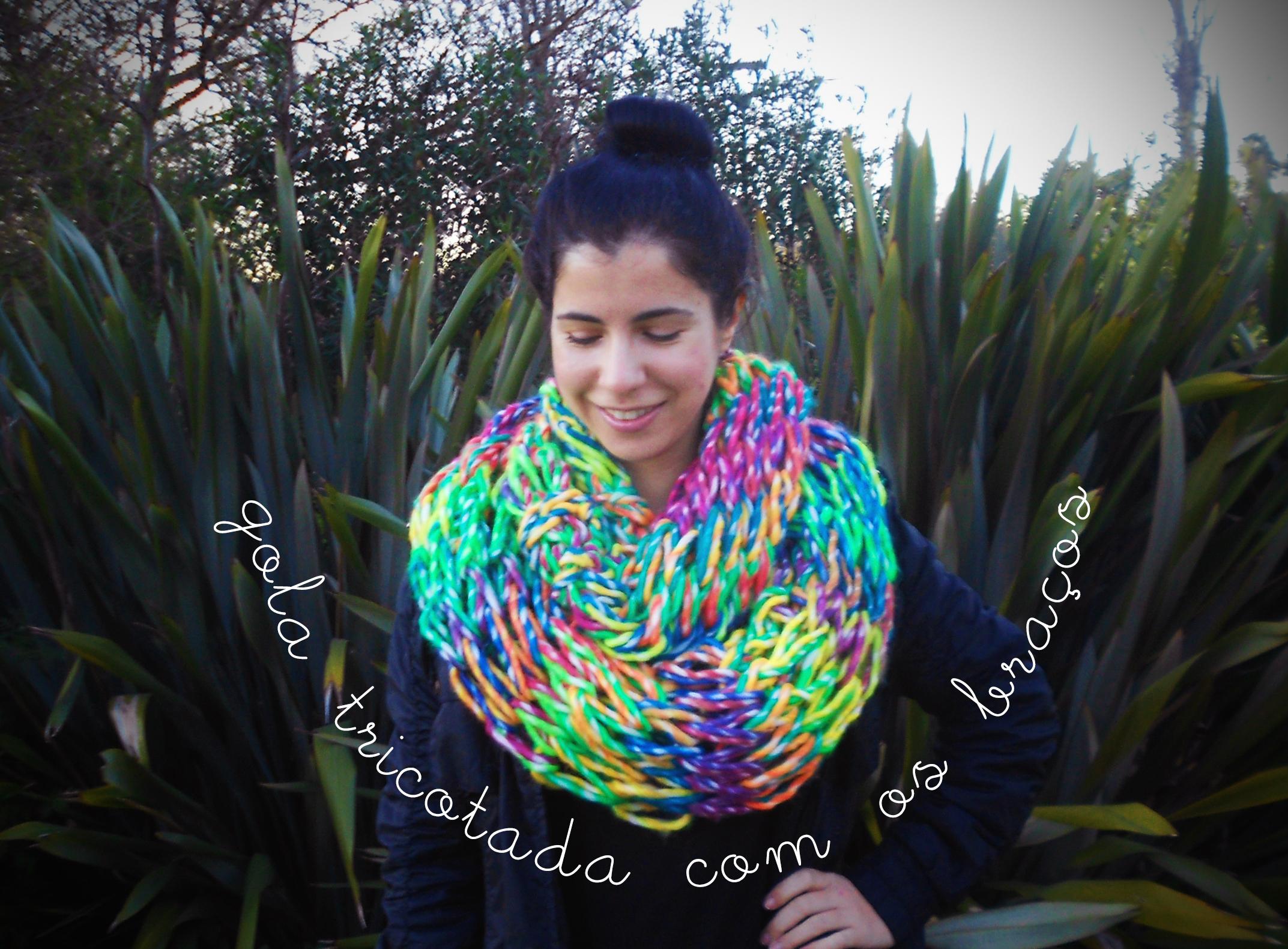tricot tricô com as mãos braços cachecol diy gola infinita fashion moda handmade feito à mão lotd ootd look do dia