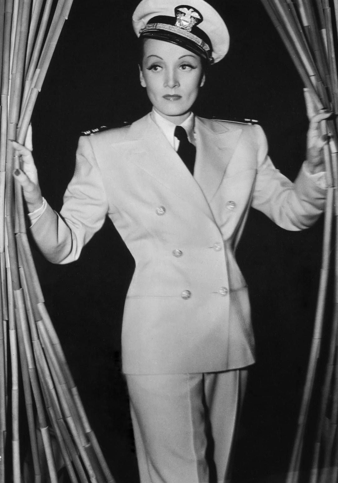 Marlene Dietrich em Seven Sinners (1940)