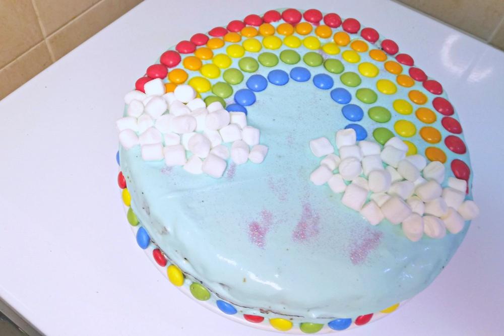 bolo aniversário arco-íris pintarolas